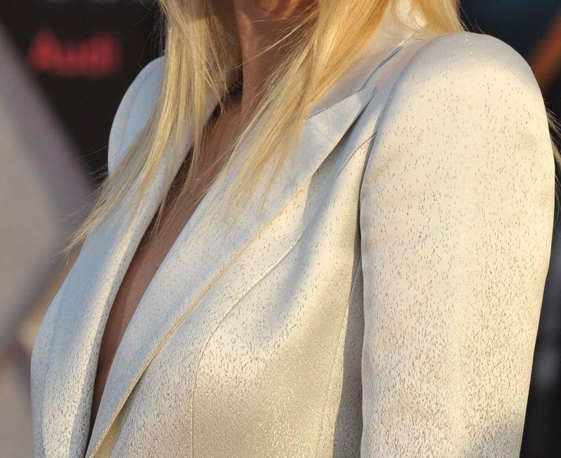 Paltrow suit close up