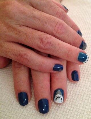 Shark-Week-nails