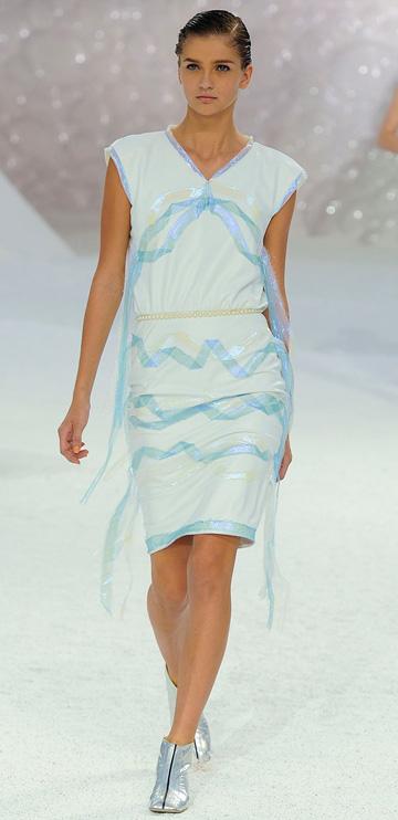 Chanel-spring2012-runway-dress