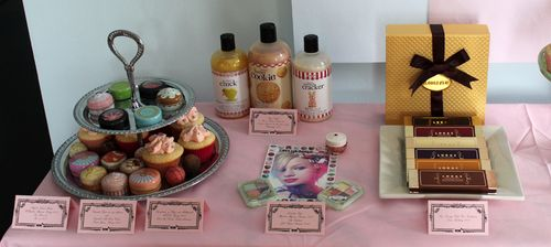 MM-Sweet-tooth-table-left-front