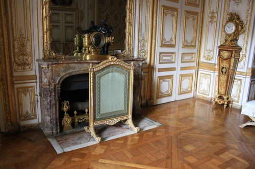 Chateau_de_Versailles_king-room_