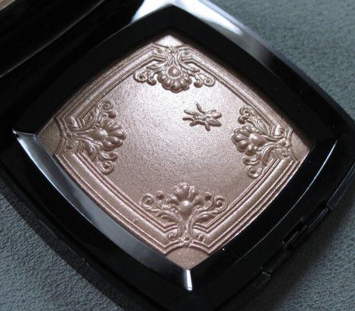 Chanel-mouche-de-beaute-side