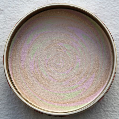 Paul-joe-pressed-powder-swirl