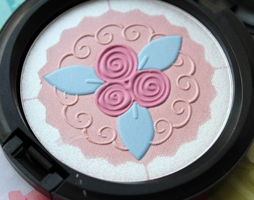 MAC-pink-buttercream-detail