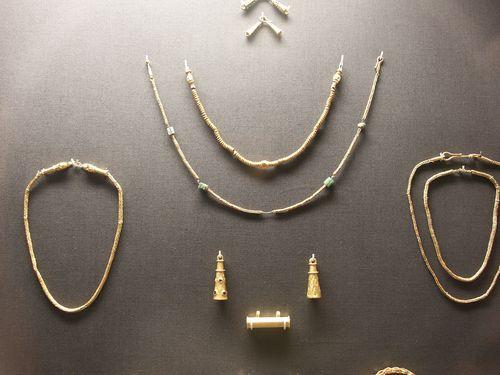 Thetford-treasure-necklace