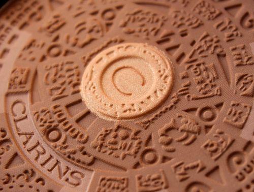 Clarins-summer-2013-bronzer-detail