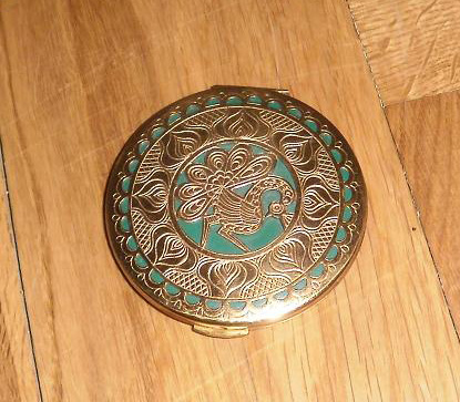 Vintage-peacock-compact