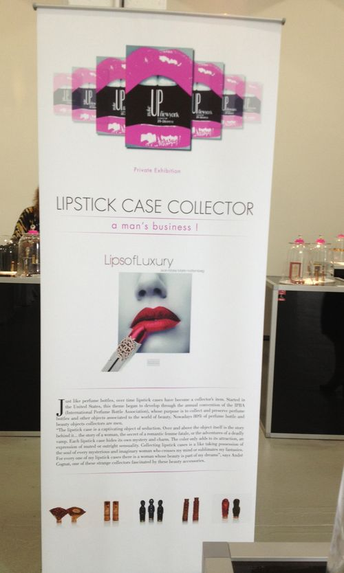 Lipstick-exhibition-sign