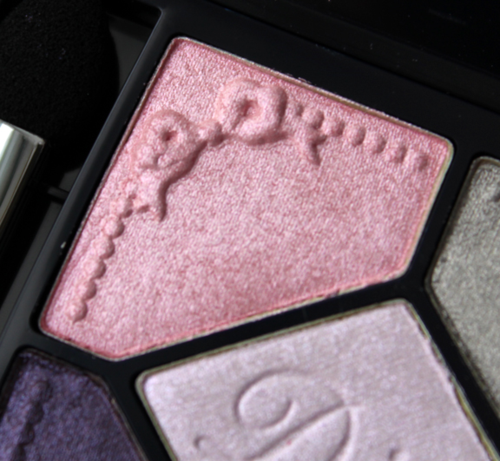 Dior-Pink-Pompadour-detail