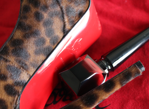Louboutin-nail-polish-sole