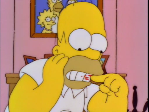 Homer-eating-lipstick