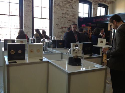 Praise-of-complexion-exhibition-view