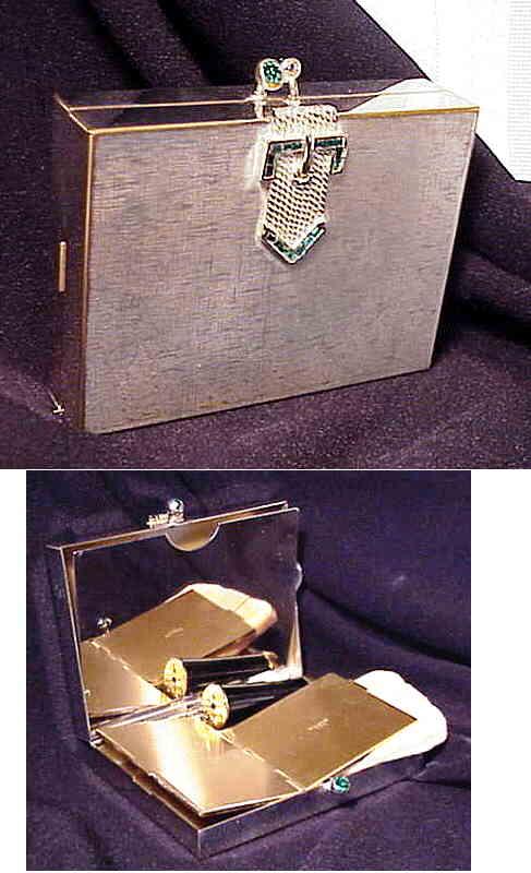 Volupté clutch with buckle