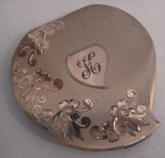 Vintage Elgin engraved compact
