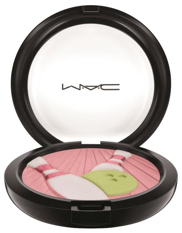 MAC It's a Strike Pearlmatte Face Powder