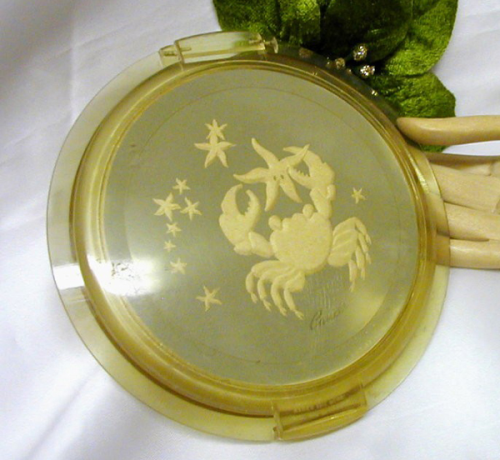 Ziegfeld Zodiac Girl compact - Cancer