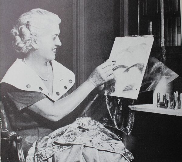 Jacqueline Cochran testing out color combinations