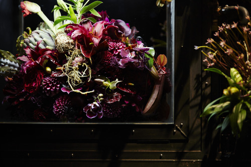 Pola-ba-flower-stall-detail