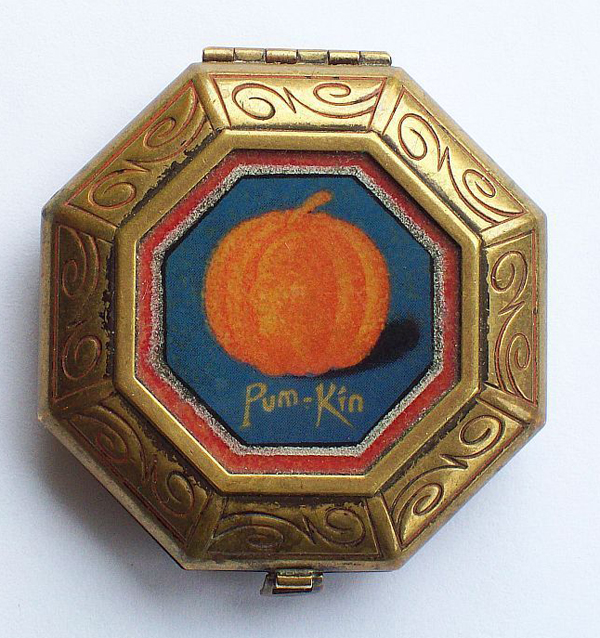 Pum-kin Rouge compact
