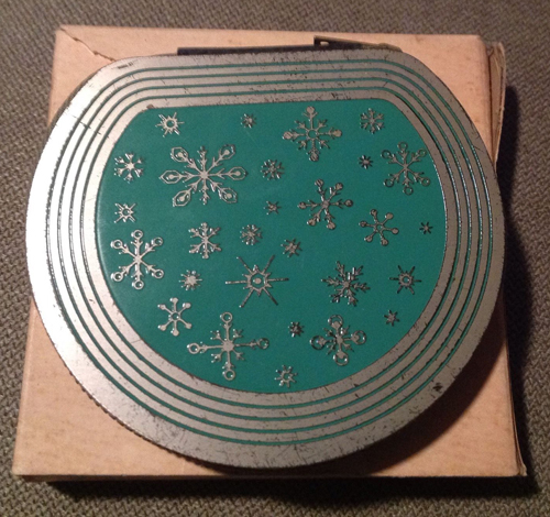 Vintage snowflake compact