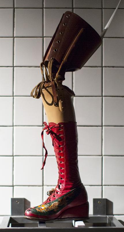 Frida Kahlo prosthetic
