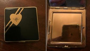 Vintage sweetheart compact