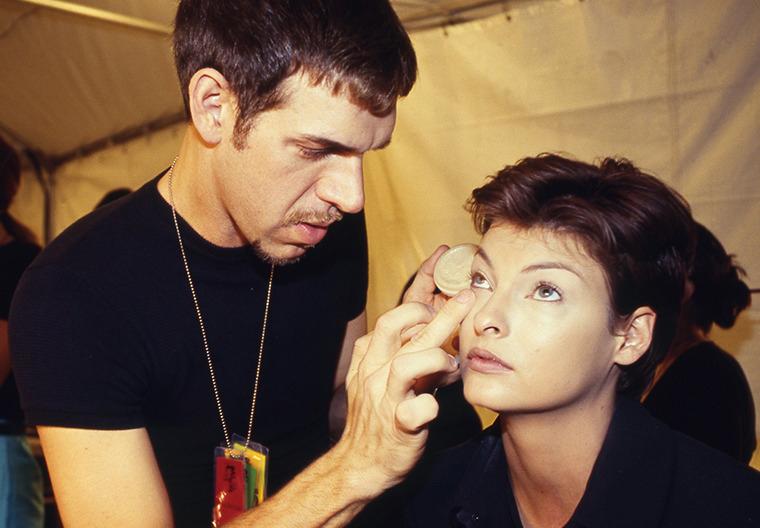 Kevyn Aucoin with Linda Evangelista, 1995