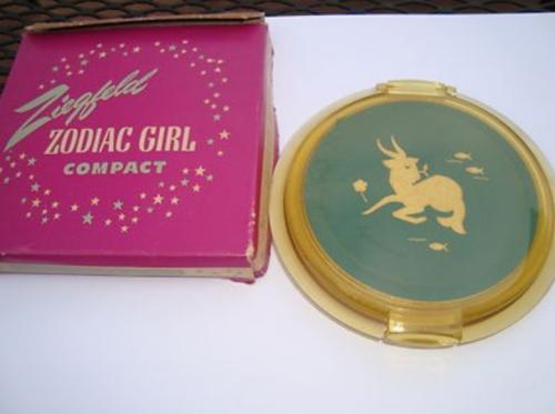Ziegfeld Zodiac Girl compact - Capricorn
