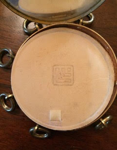 Lucien Lelong tambourine compact
