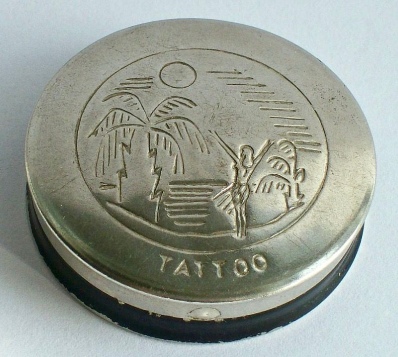 Tattoo rouge compact