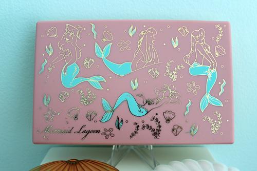 Besame mermaid lagoon palette