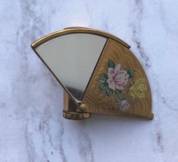 Stratton fan-shaped lipstick mirror
