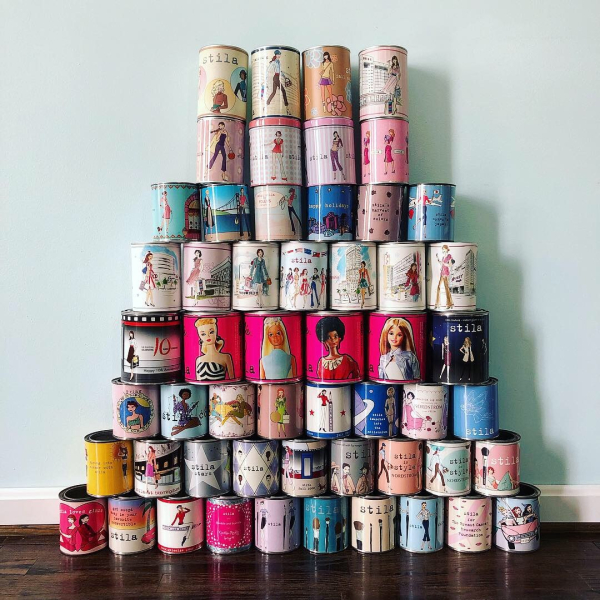 Stila paint cans