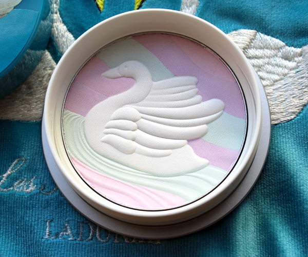 LM Ladurée pressed powder, holiday 2019