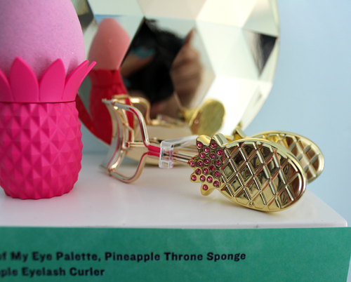 Tarte pineapple eyelash curler