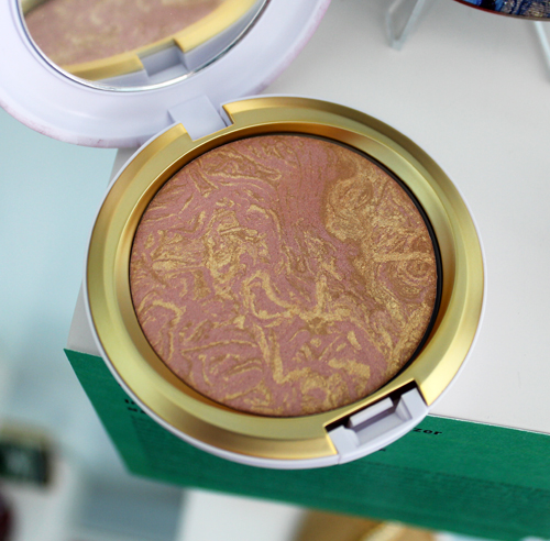MAC Electric Wonder highlighter