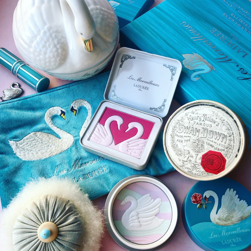 Les Merveilleuses Ladurée holiday 2019, vintage swan down puff, Tetlow swan down powder