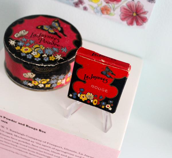 La Jaynees face powder and rouge box