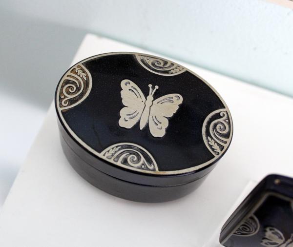 Lucretia Vanderbilt powder box
