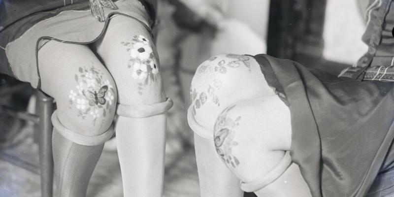Knee paint, 1925