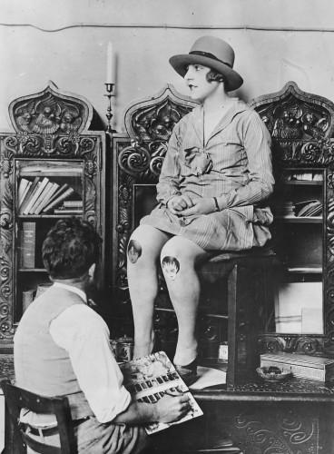 Knee painting, 1926