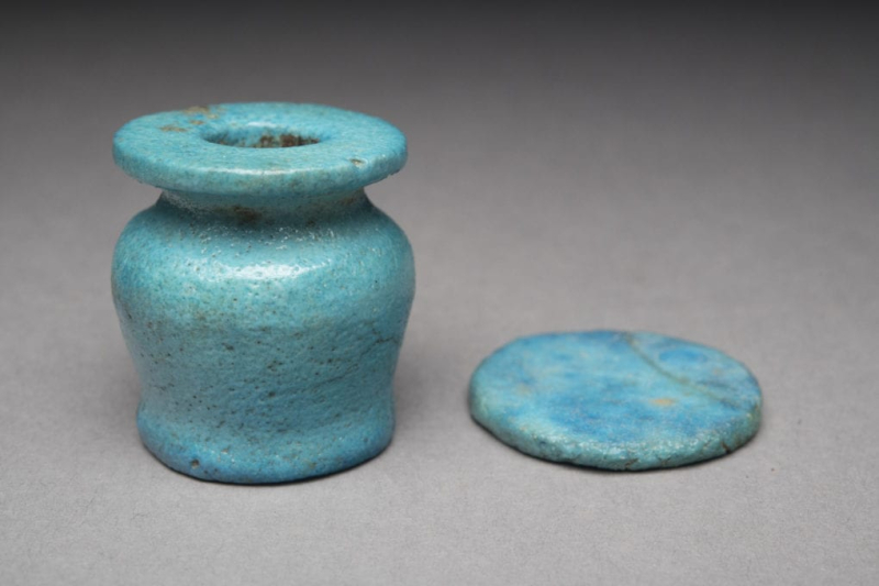 Faience kohl pot, ca. 1550-1295