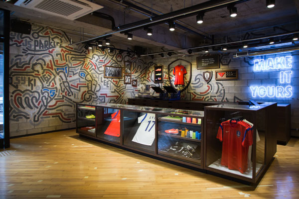 Yoon Hyup mural for Nike headquarters in Gangnam