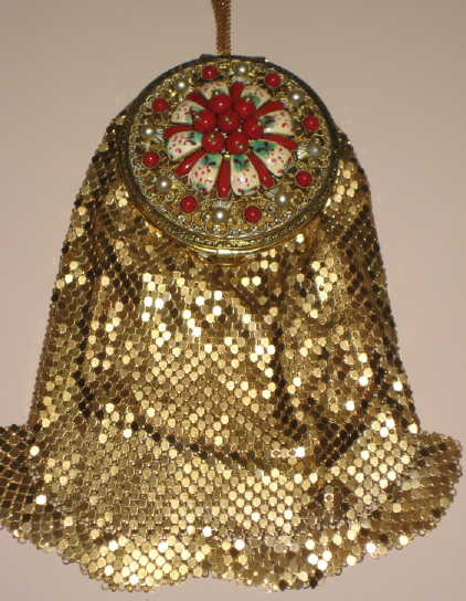 1930s Evans mesh purse w ornate compact top