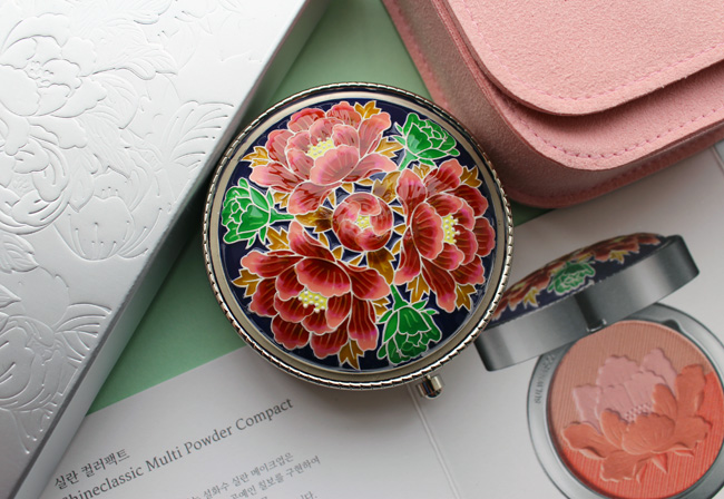 Sulwhasoo Shineclassic compact, Chilbo edition, holiday 2019